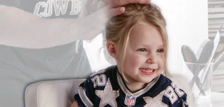 NFL players try to do their daughters' hair in this Super Bowl campaign for Pantene Shampoo. #daddydo